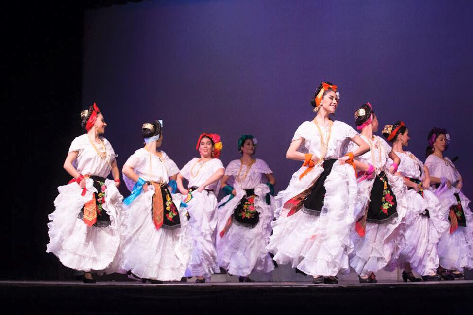 "Say, ""hello,"" at Folkmoot 2016"